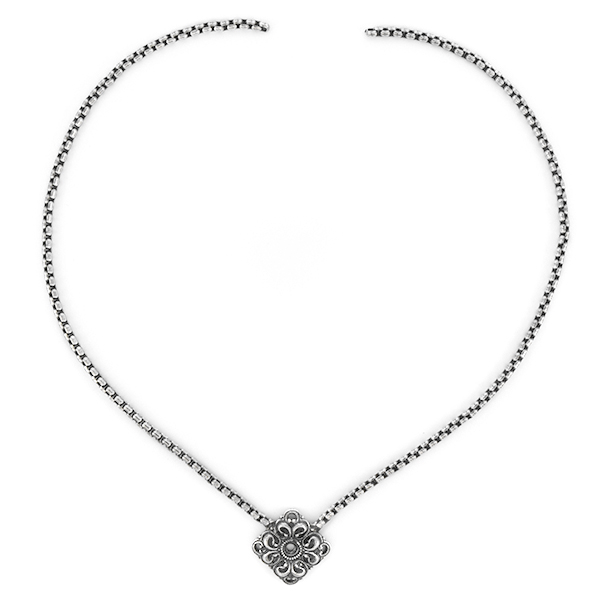 32pp Ornate Square with 2.8mm Box chain Necklace bace