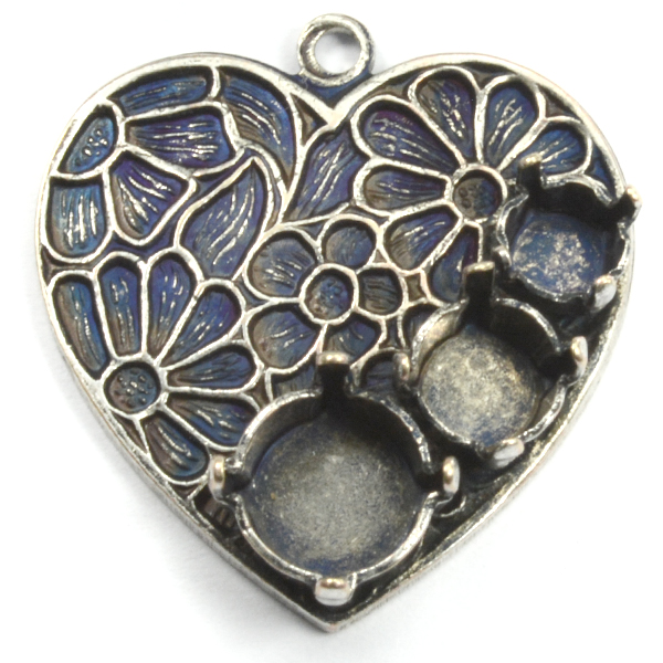Decorated Heart pendant base with 24ss/29ss and 39ss