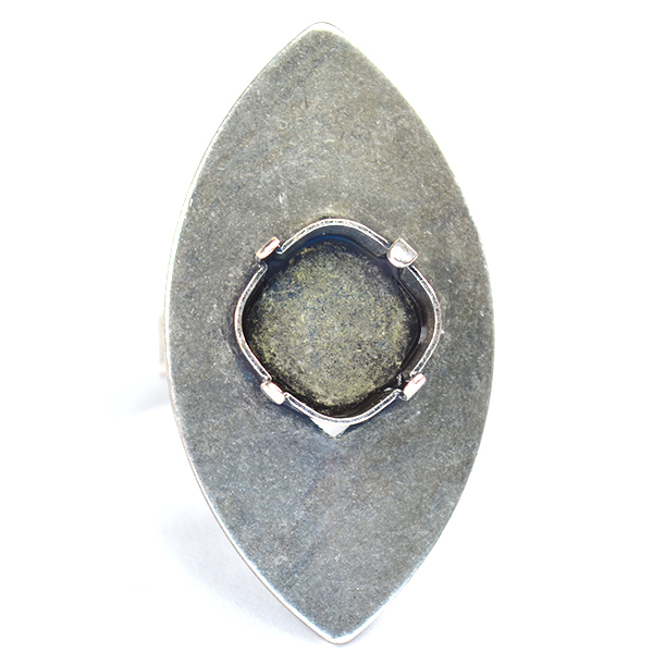 Navette ring base with 12mm square