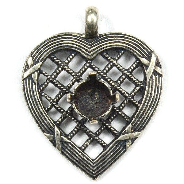 Heart pendant base with 29ss