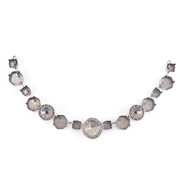 Decorated Square 4470 12-12mm with 39ss Necklace base-15 settings