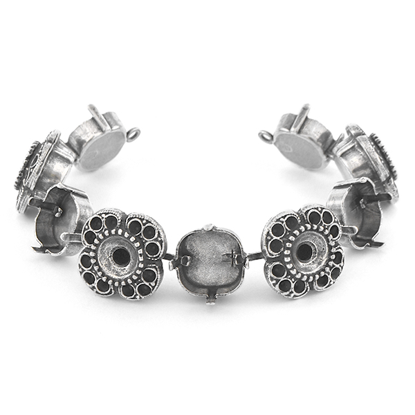 14pp, 39ss, 12x12mm Square Bracelet base with Flowers