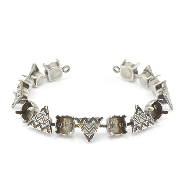 39ss Bracelet base with soldered ethnic triangles - 15 settings