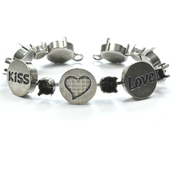 29ss and 12-12mm Bracelet base with Kiss /  Heart and Love meanining