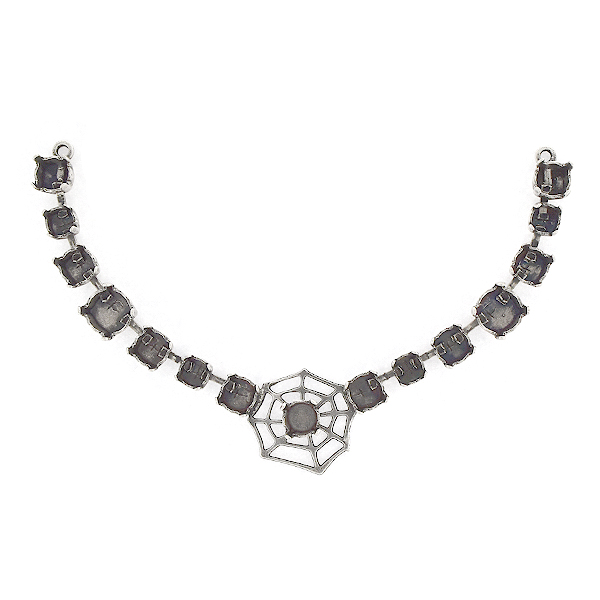 24ss, 29ss, 39ss Centerpiece for Necklace with Cobweb