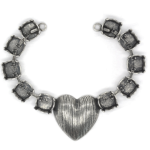 39ss decorated heart Center Necklace piece with two side loops-10 settings