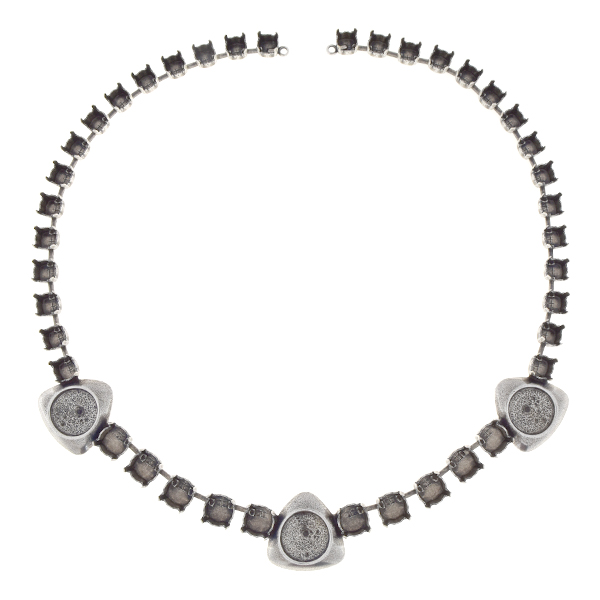 29ss, 39ss, 12mm Rivoli Necklace with triangle elements