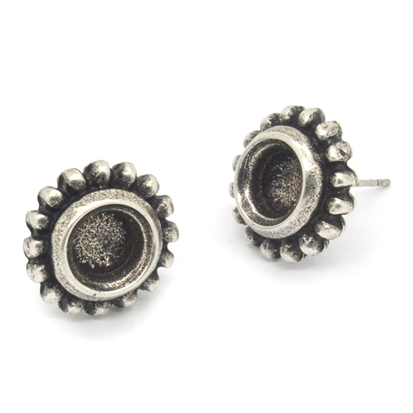 39ss Stud Earring settings decorated with dots