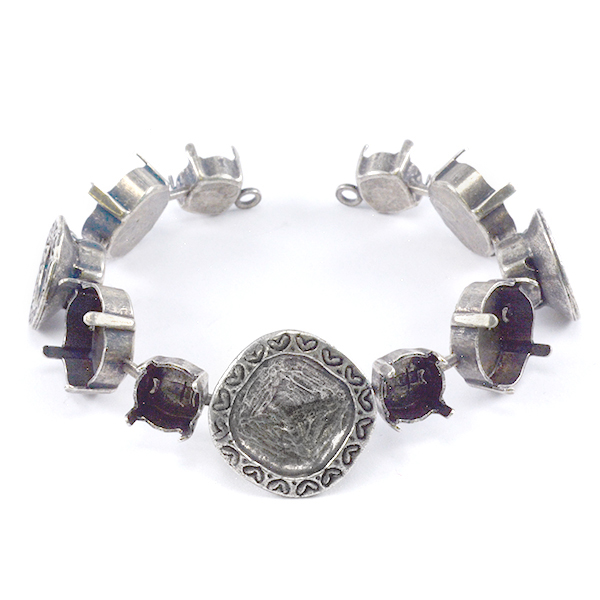 Decorated Square 4470 12-12mm with 39ss bracelet base-11 settings