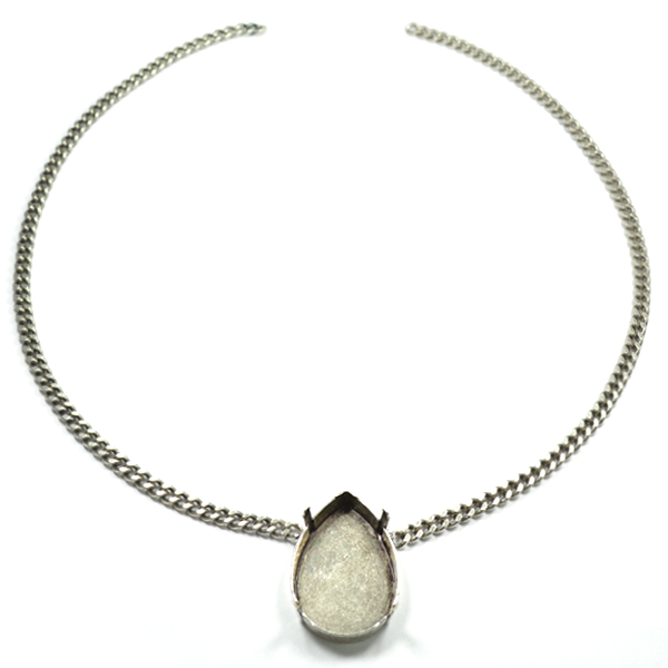 Flat Gourmet chain with 30-20mm pear shape pendant