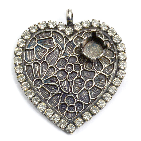 Heart pendant base with 29ss Flower decoration and Rhinestoness