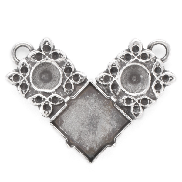 8pp, 24ss, 12x12mm Princess Square Pendant with floral elements