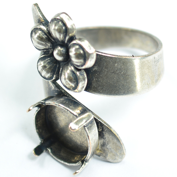 Snake ring base with flower element and 12mm Rivoli