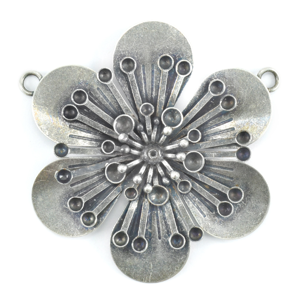 32pp and 18pp Flower pendant base with two side loops
