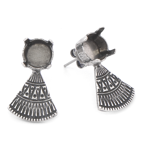 39ss with ethnic triangle element Stud Earring base