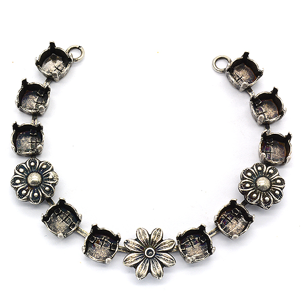 39ss Flower central Piece for Necklace