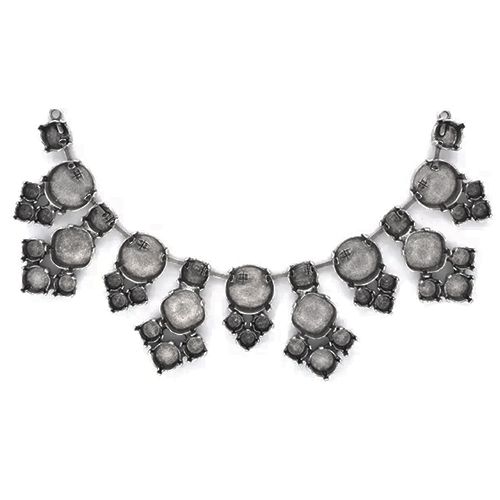 24ss, 29ss, 39ss, 14mm Rivoli, 12mm Square Centerpiece for Necklace
