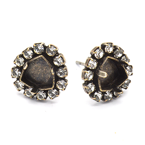 7mm Stud Trilliant earring base with Rhinestoness