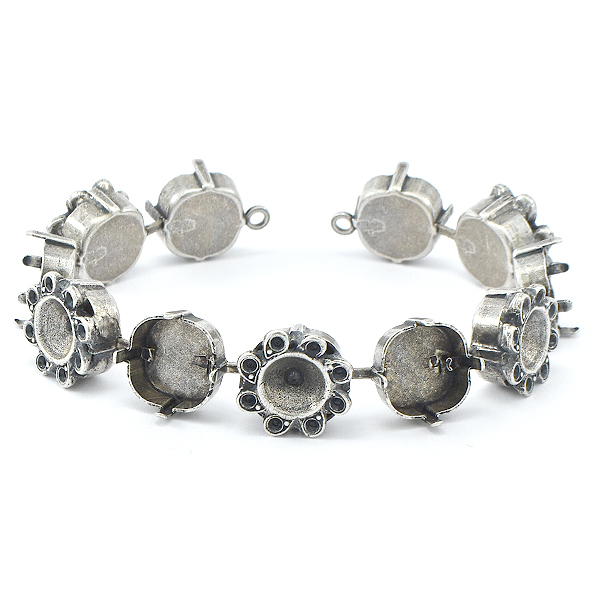 8pp, 39ss, 12x12mm Square empty Cup chain Bracelet with Flower elements - 11 settings