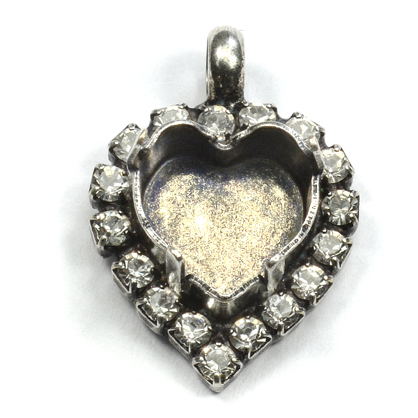 11x10mm Heart stone setting with Rhinestones and top loop