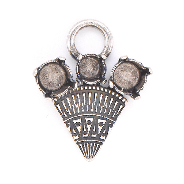 24ss, 29ss with ethnic triangle Pendant