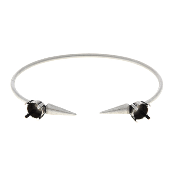 39ss Open bangle bracelet with metal spikes