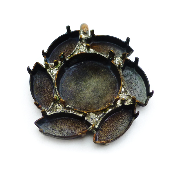 Flower Pendant base with 1 soldered ring on the top