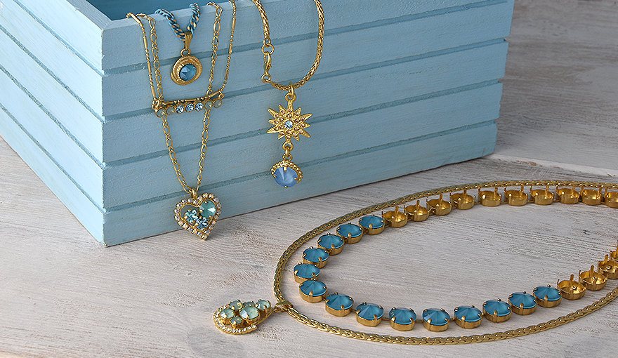 A few tips for easily making a new Swarovski pendant necklace