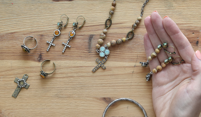 Creating casual jewelry with cross charms