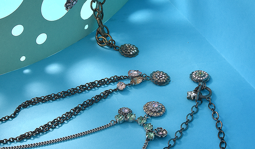5 ways to make a necklace with one center pendant