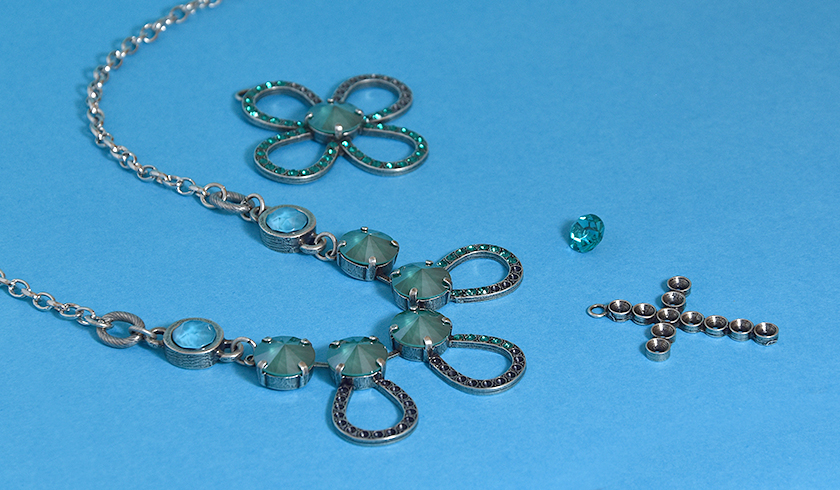 Making the new drop shape jewelry bases ready for winter with strong colors