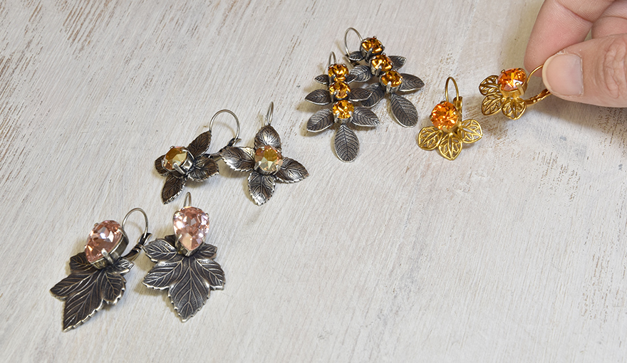 Celebrate the autumn season, with an earring leaf collection