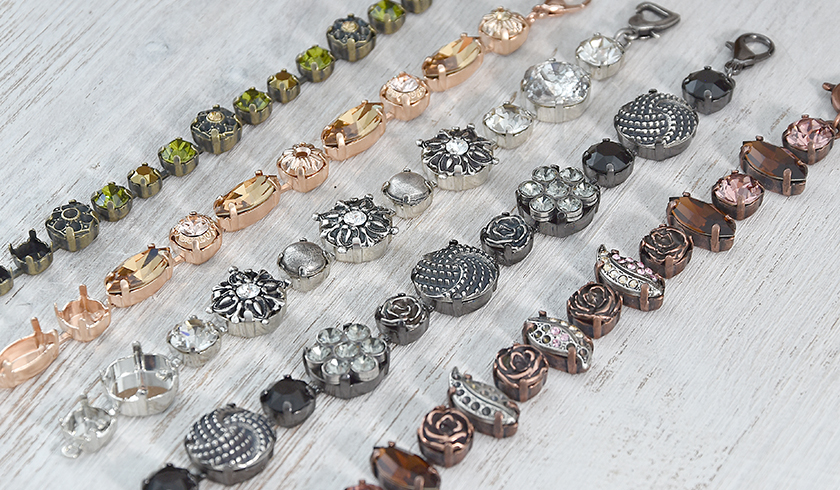 Bracelets with casting elements in gorgeous fall colors
