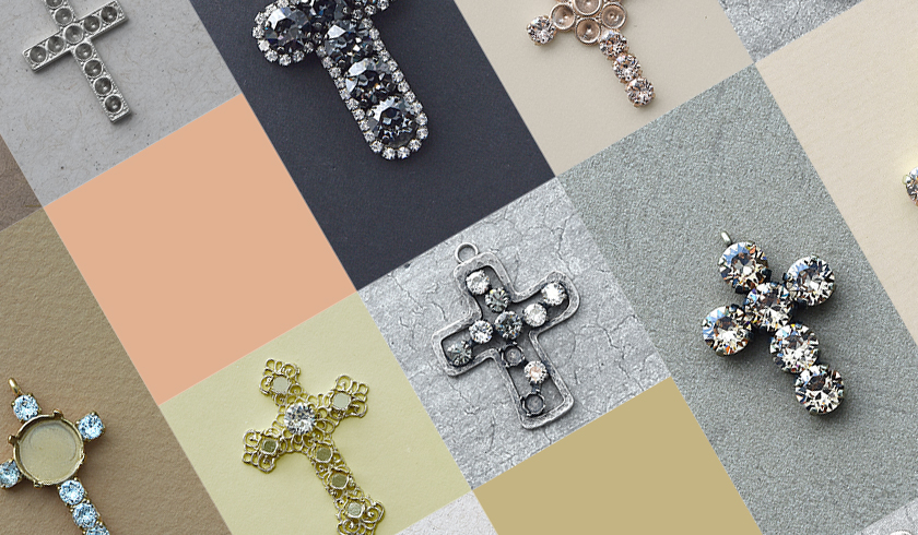 Cross pendants that show all the beauty of metal plating colors