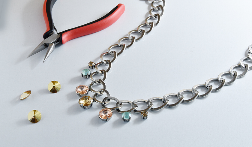 Simple idea of Stylish and Modern Jewelries