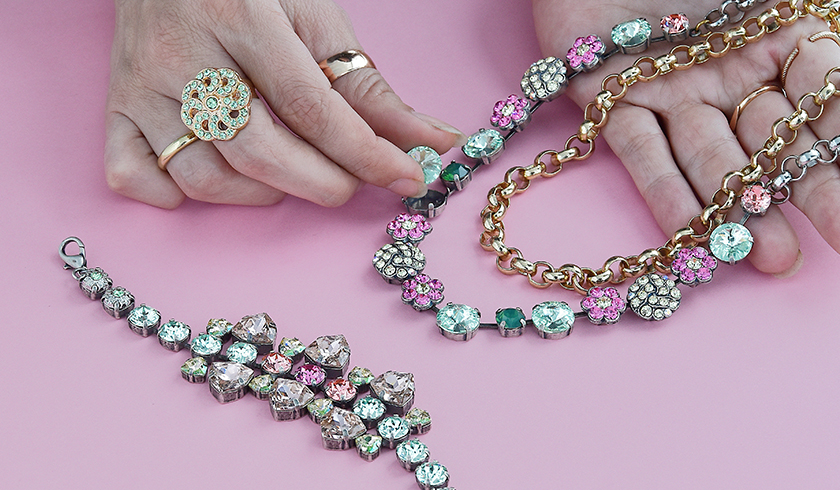 Amazing Cup Chain and Swarovski crystals Inspiration  for Valentines Day