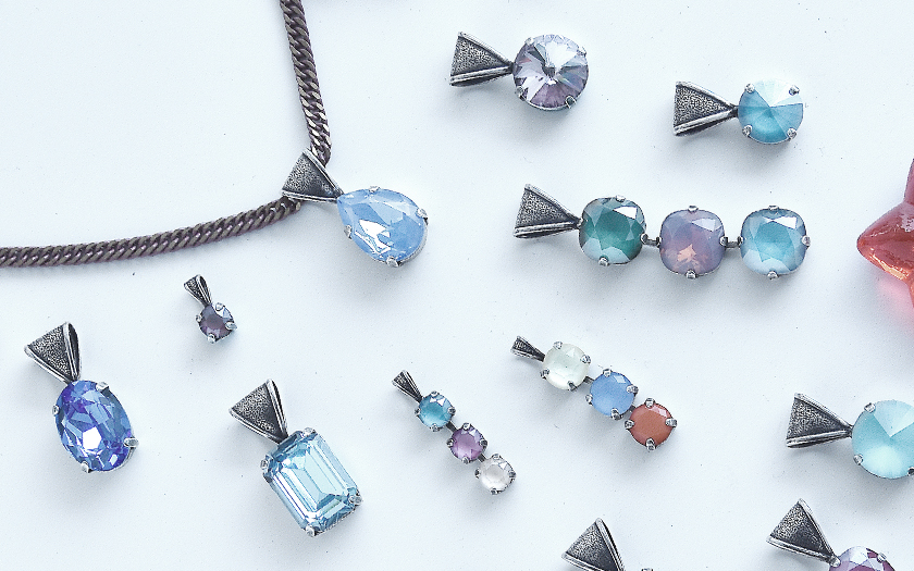 New bail pendants with Jagged Style Metal bases