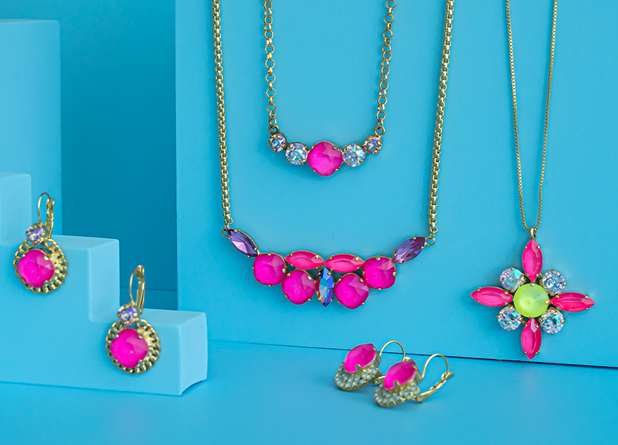Neon colors: Electric Pink Aurora Crystals with GITA's bases Inspiration