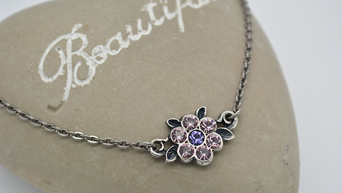 32pp Flower Necklace