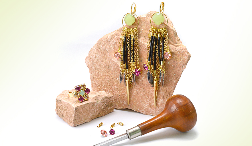 Leather and chains earrings