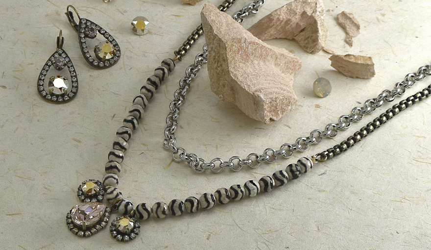Agate and SW rhinestone combined necklace