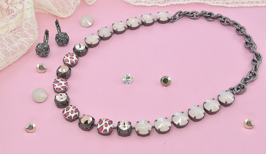 Pink leopard print and SW crystals necklace inspiration