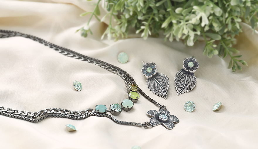 Green floral jewelry set