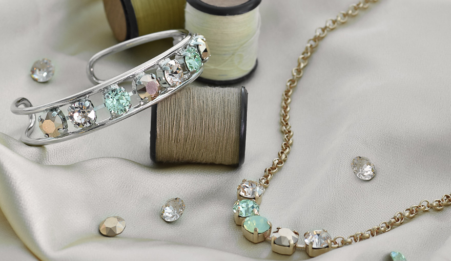 Rose gold & green color jewelry inspiration