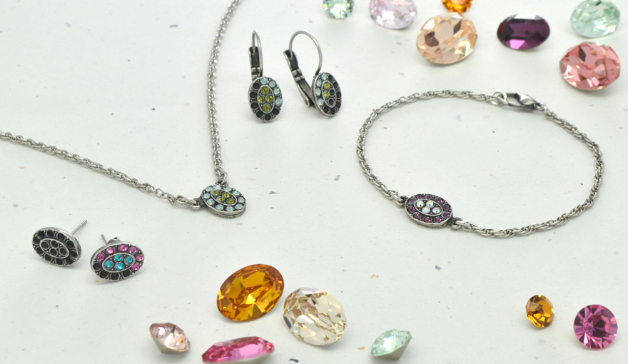 Sparkly oval shape metal casting, jewelry inspiration