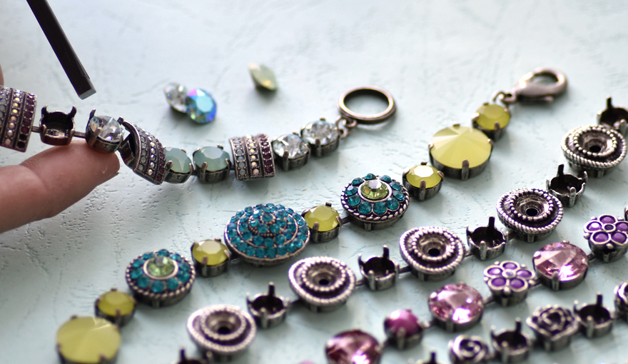 Decorated bracelet bases for 39ss crystals