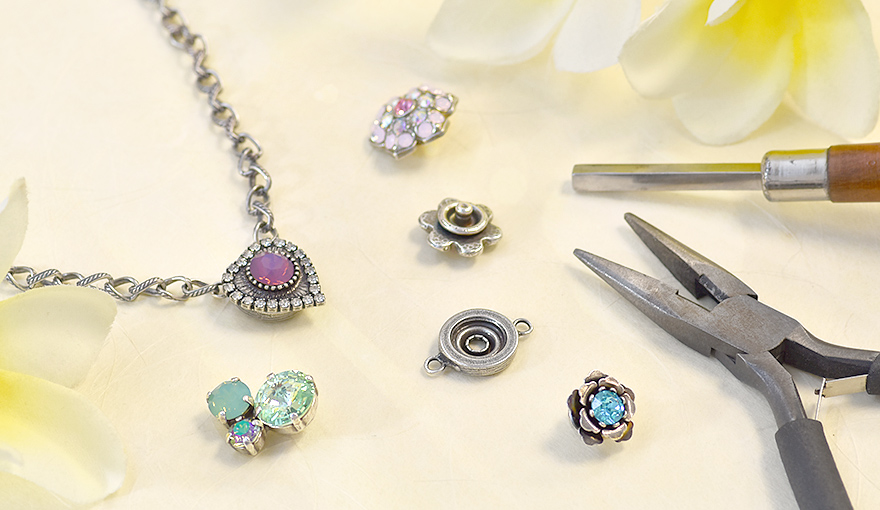 Necklaces & Bracelets with snap button replaceable stone settings