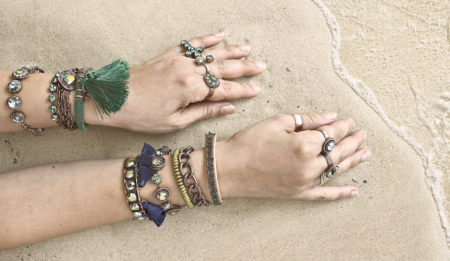 Ethnic style bracelets in Green & Cooper colors