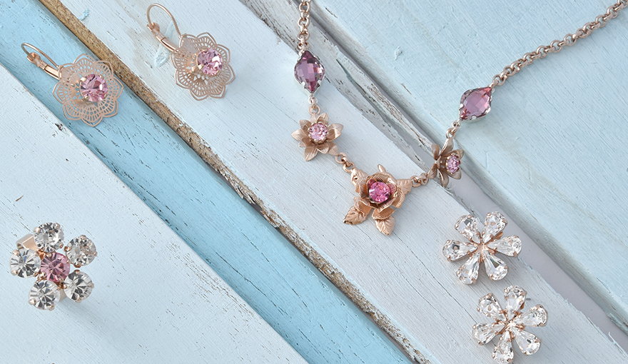 Creating a classic flower shape jewelry collection