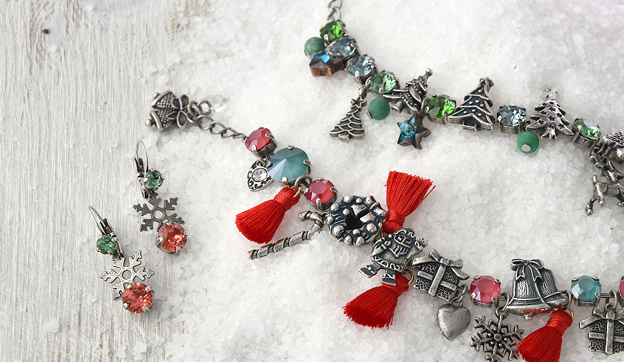 A total Christmas look for your bracelets